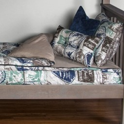 Close up of the zipper bedding bunkie